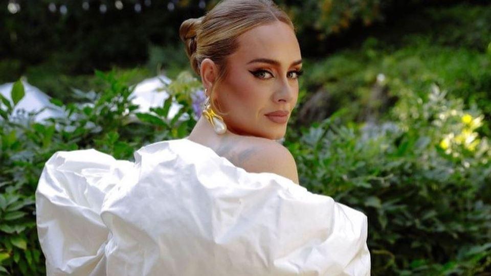 Seis anos depois, Adele está d...
