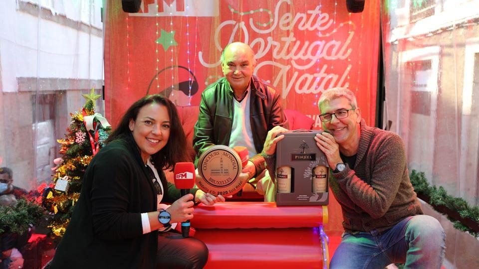 Agostinho Monteiro com a medalha de ouro para o vinho de Pinhel