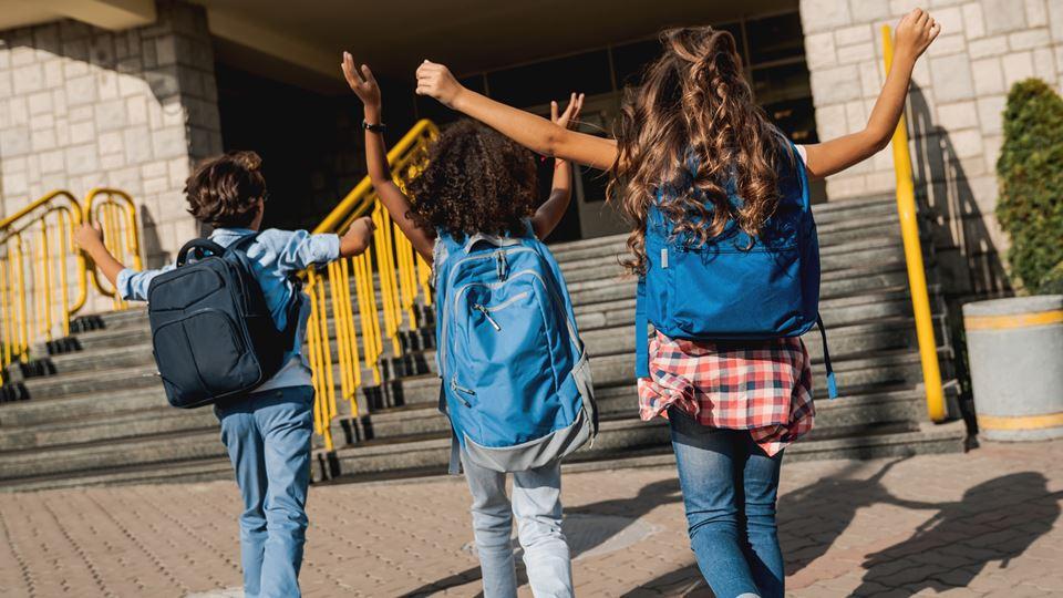 Escola adota linguagem sem gén...