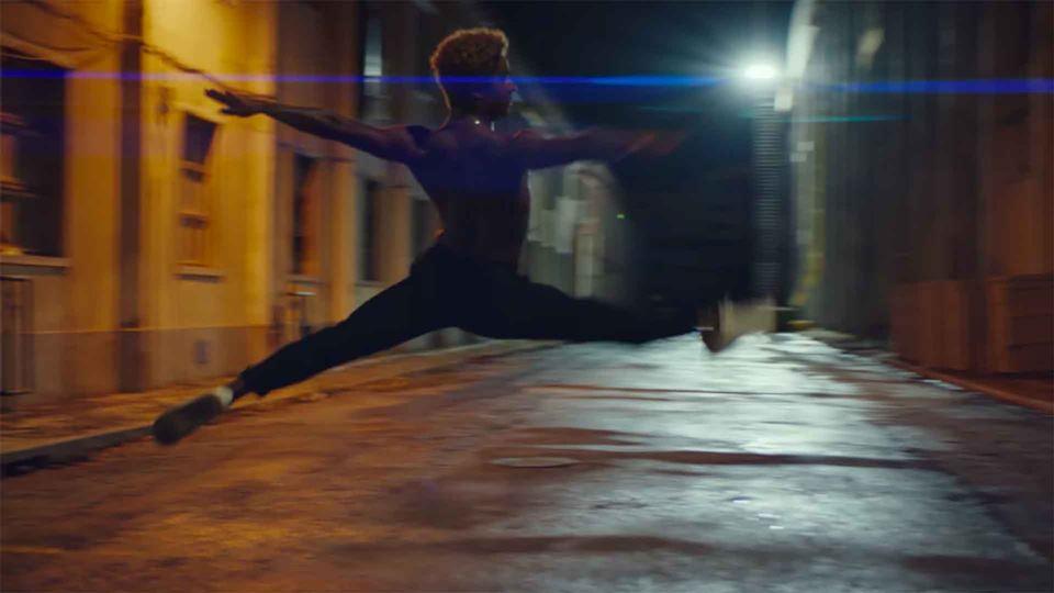 Bailarino português emociona c...