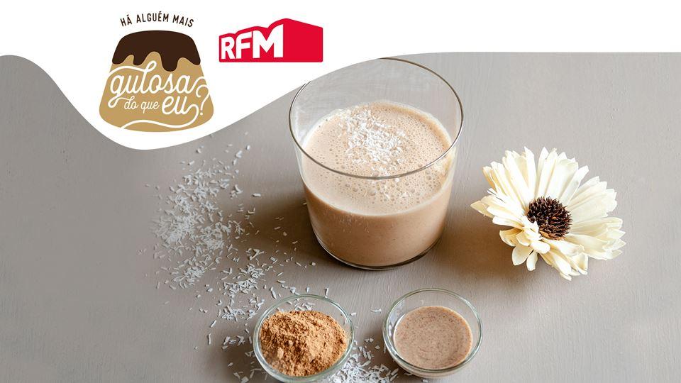 Batido-de-Coco-Manteiga-de-Amendoim-e-Cacau_imgCake