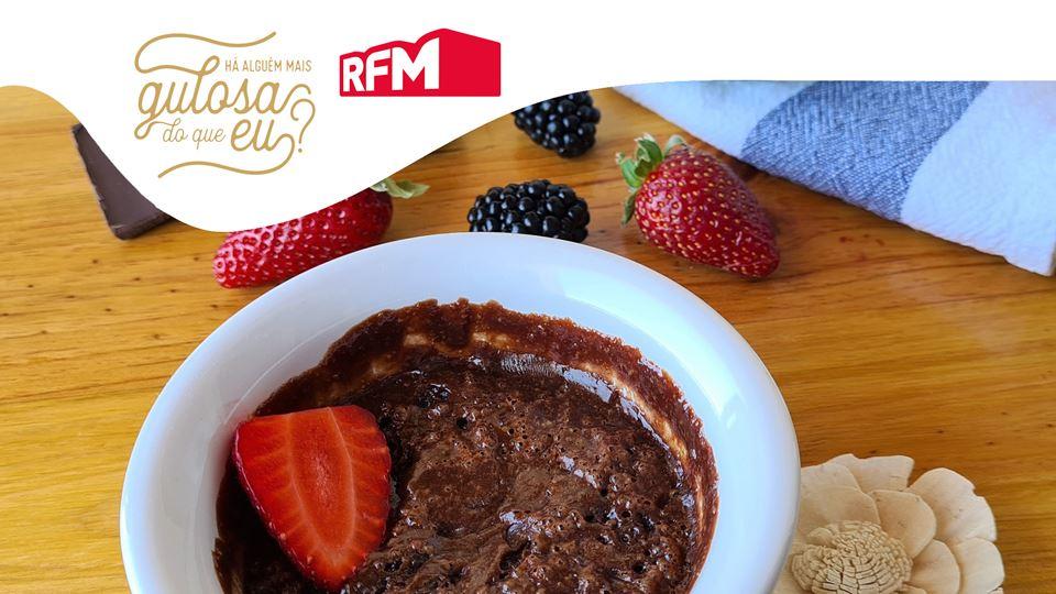 Bolo-Delicioso-de-Chocolate-e-Aveia-pronto-em-2-minutos_imgbolo