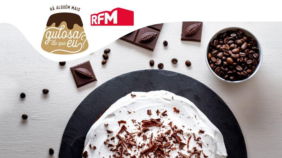 Bolo-de-Cafe-Cacau-Chantilly-Raspas-Chocolate_imgCake