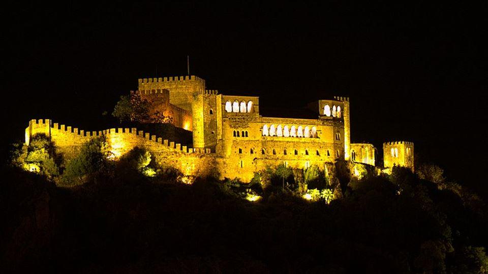 castelo de leiria a noite