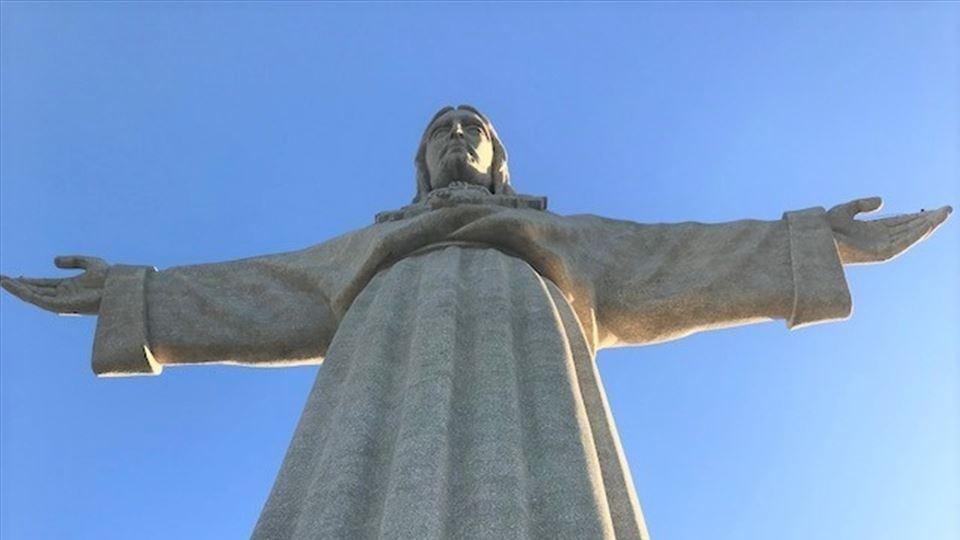 O Cristo que abraça Lisboa