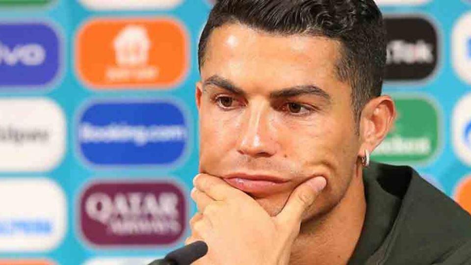 Em Manchester, Ronaldo é obrig...