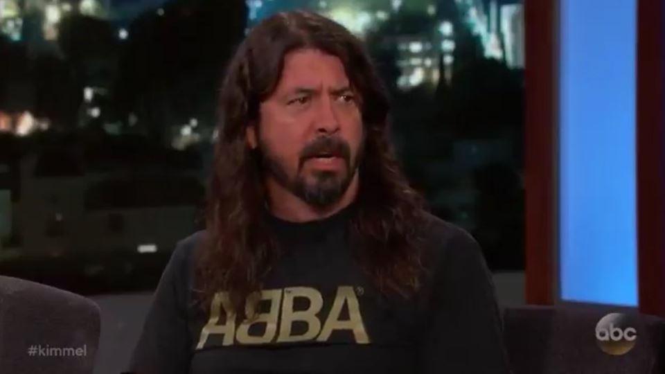Dave Grohl no programa de Jimmy Kimmel