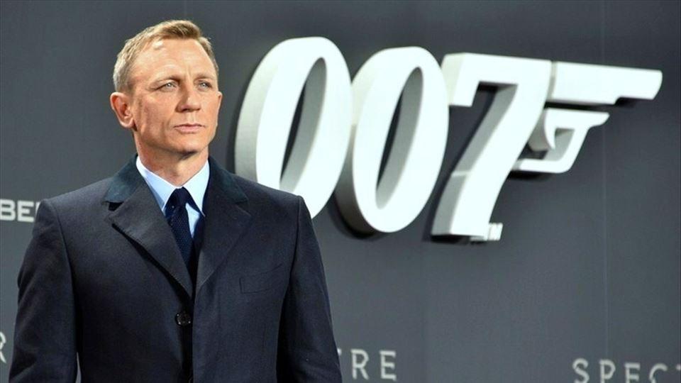 Bond regressa com Craig e nós ...