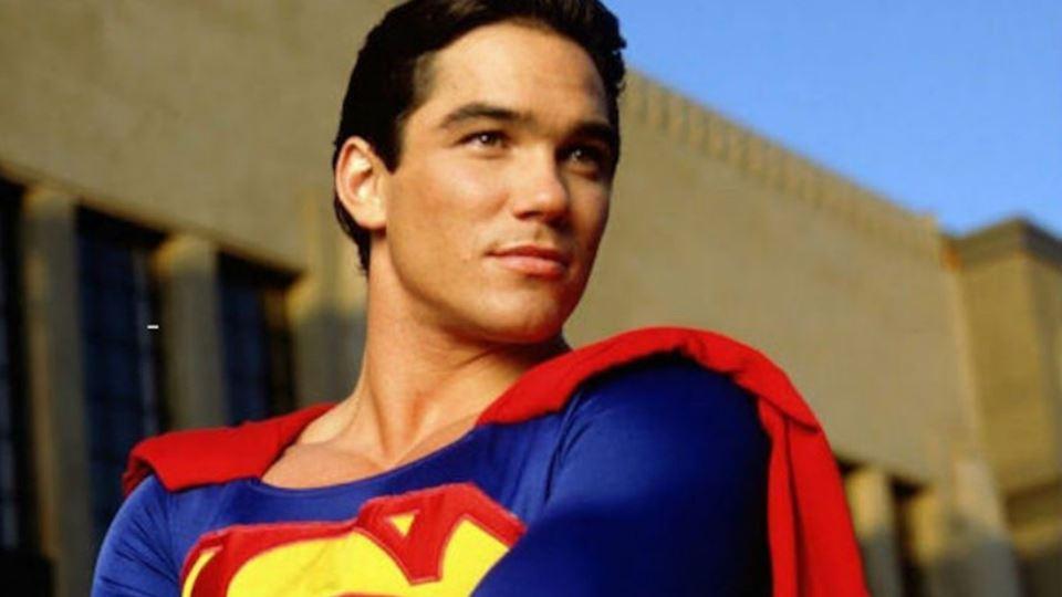 Ator que faz de Super-Homem cr...