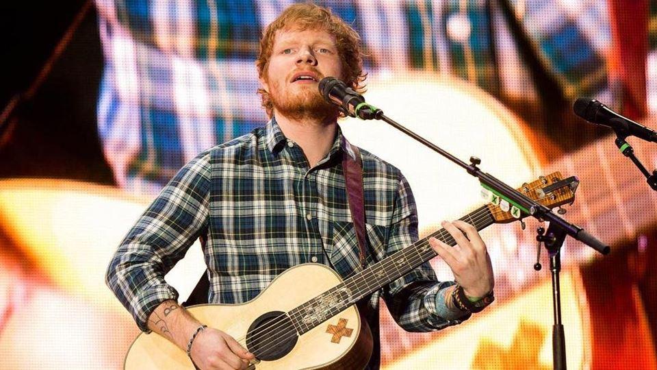Ed Sheeran utiliza o estádio d...