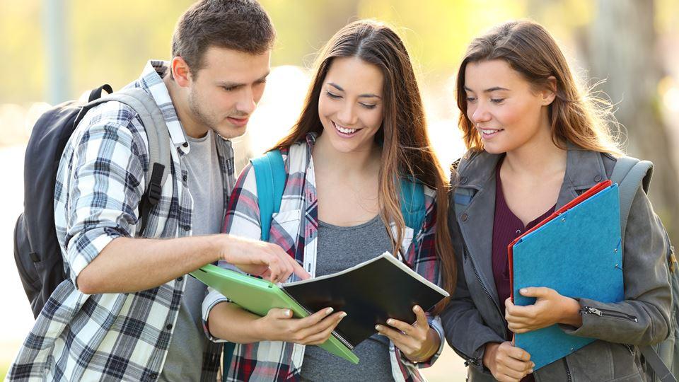 estudantes amigos