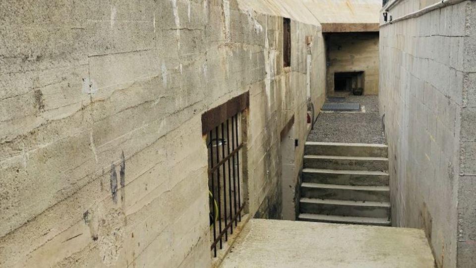 Exterior do bunker - depois