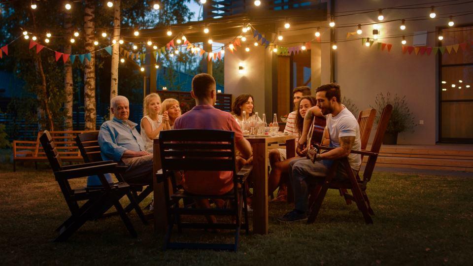 Airbnb proíbe festas em todos ...