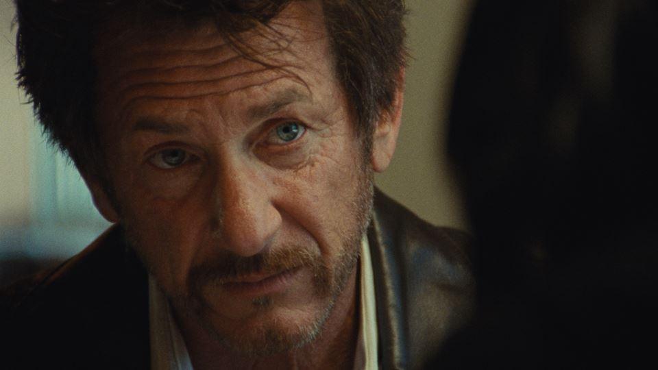 Sean Penn contracena com a fil...