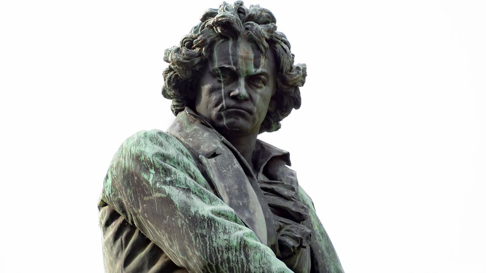 Menos Beethoven, por favor. Un...