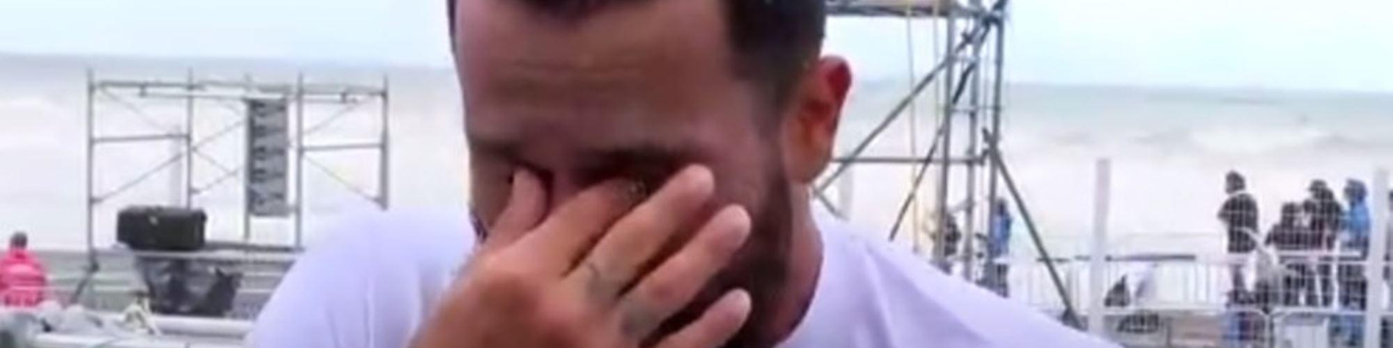 Ítalo Ferreira é o primeiro campeão olímpico de surf e a sua reação deixa qualquer um emocionado