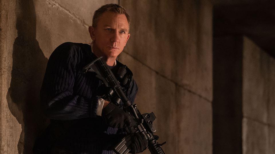 James Bond já chegou aos cinem...