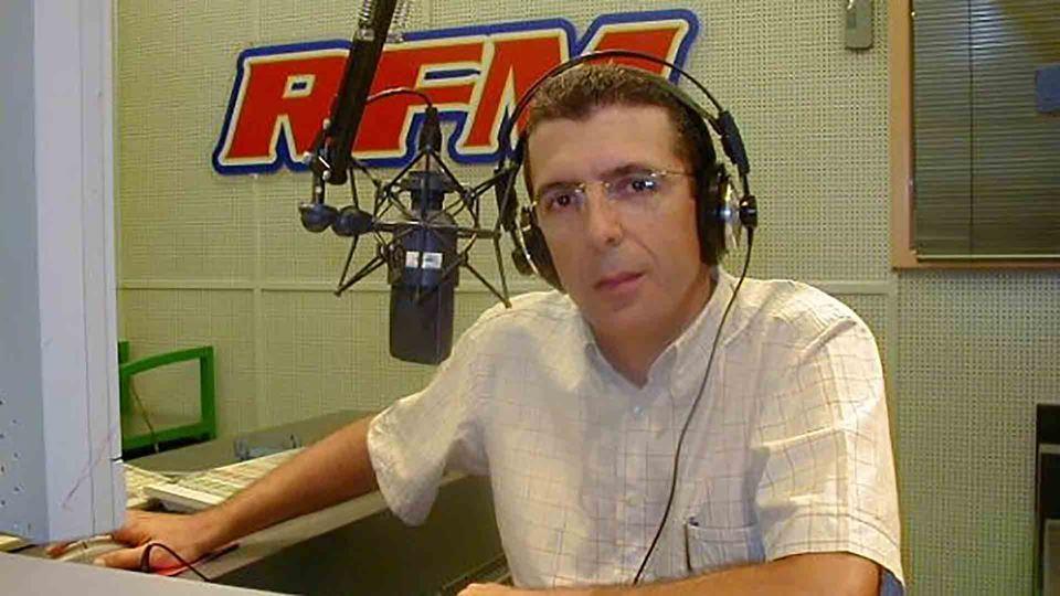 João Porto no estúdio antigo da RFM