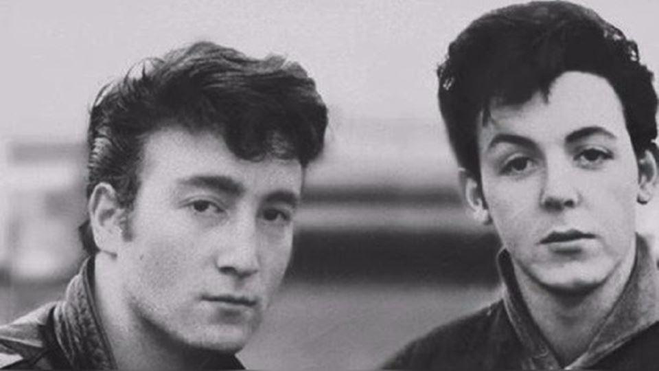 John Lennon e Paul McCartney 1957