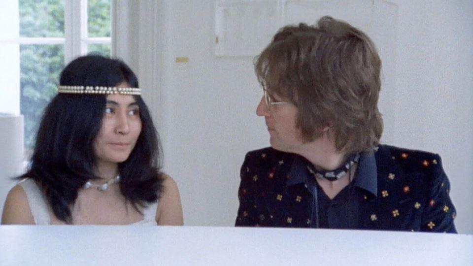 """Yoko Ono e John Lennon na gravação de """"Imagine"""""""
