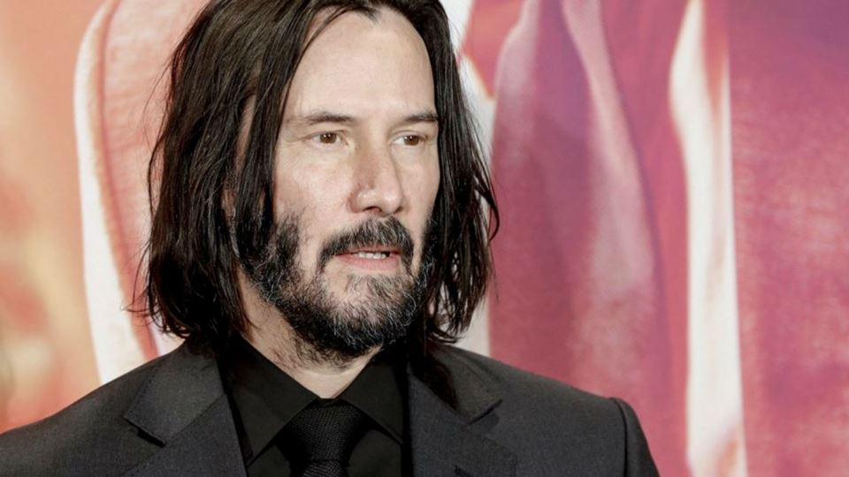 Ator Keanu Reeves leiloa uma c...