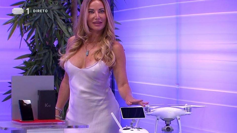 """O vestido de Lenka de """"O Preço..."""