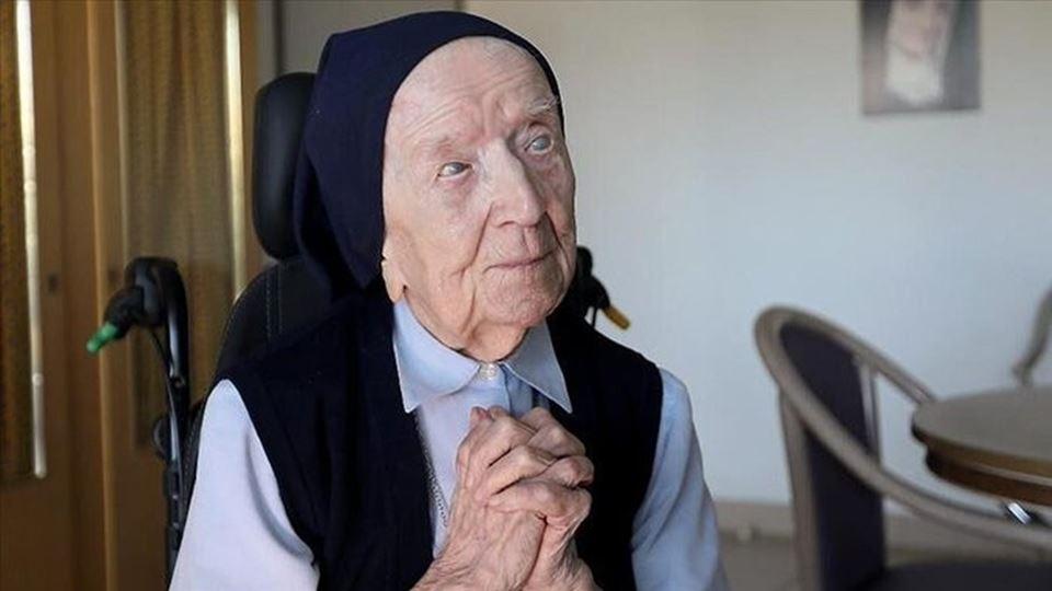 Aos 117 anos, Lucile vence a C...