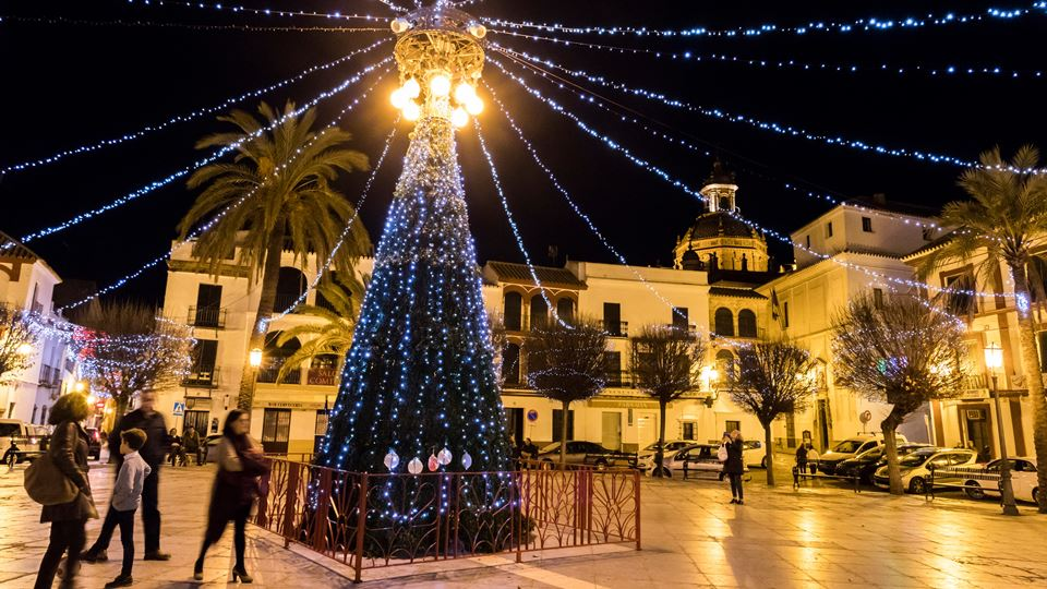 Em Espanha, já se montam luzes...