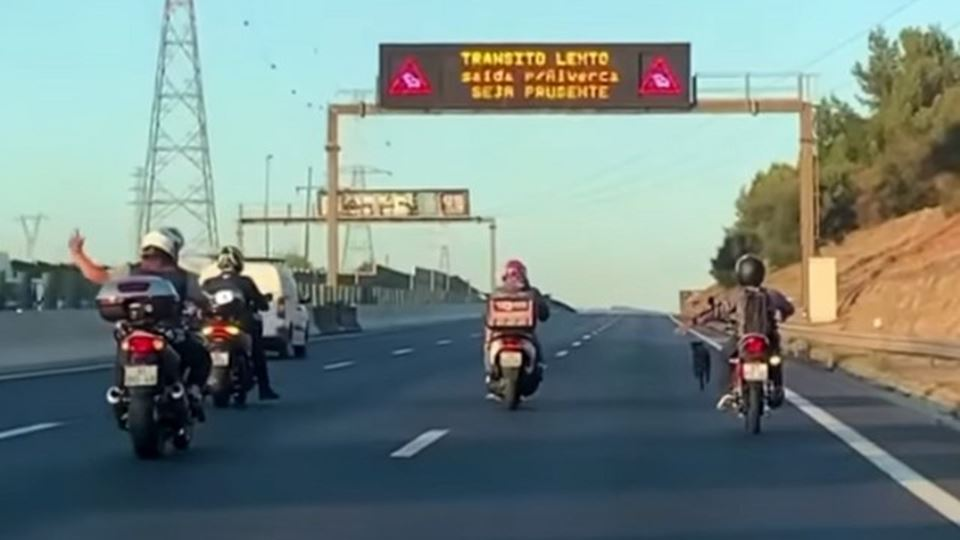 Motociclistas unem-se e salvam...