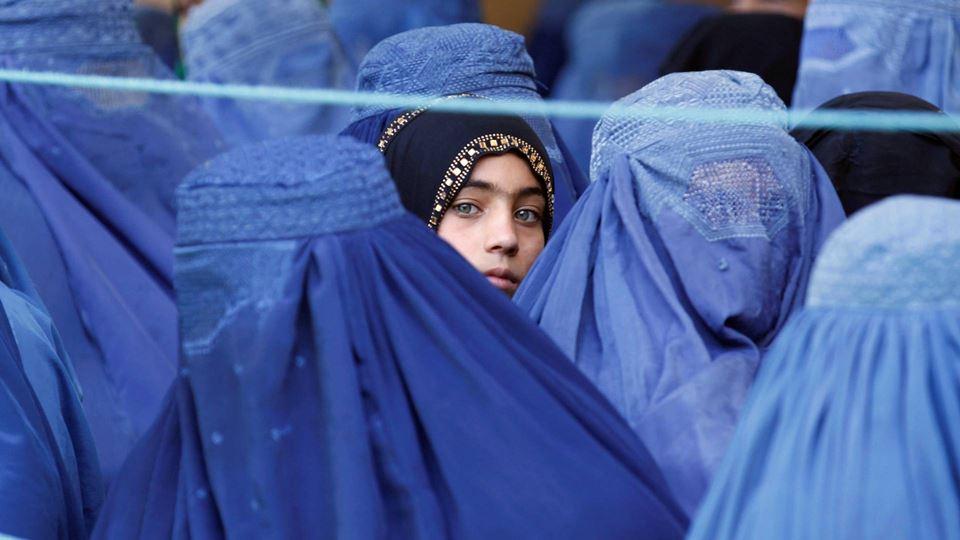 Afegãos que vêm para Portugal ...