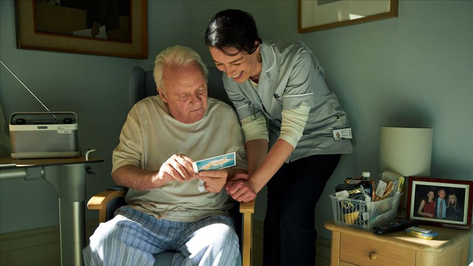 O Pai - Anthony Hopkins ( Anthony) e Olivia Williams (enfermeira)