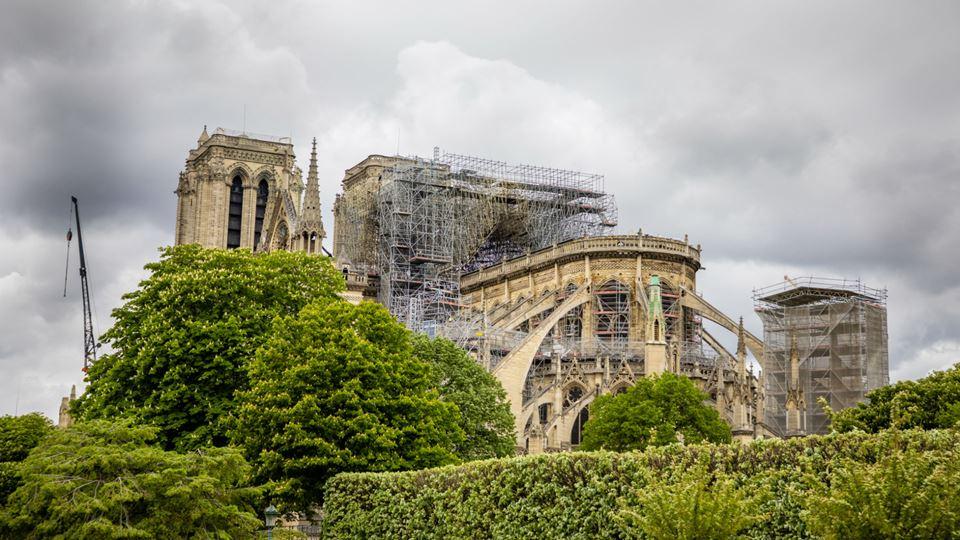 Obras na catedral Notre-Dame