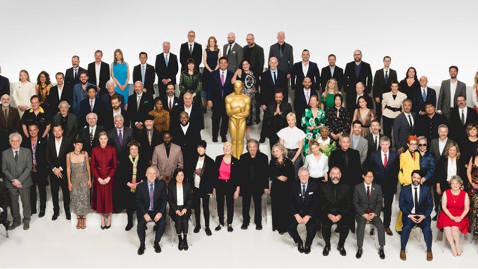 Foto de familia dos nomeados para os Óscares 2020 reunidos dia 27 de Janeiro num almoço em Los Angeles