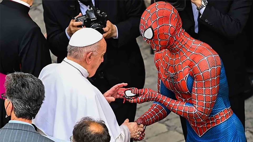 Papa Francisco encontra-se com...