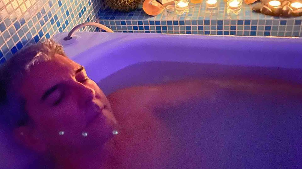 Paulo Fragoso num banho relaxante