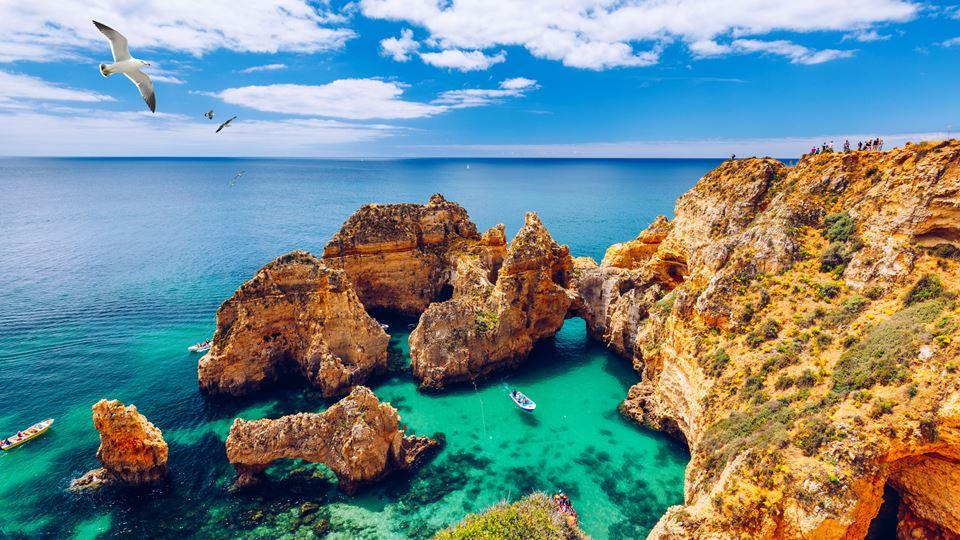 As águas das praias portuguesa...