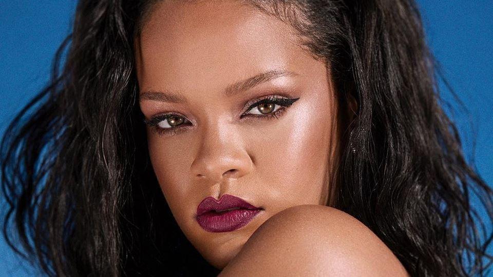 Rihanna usa música portuguesa ...