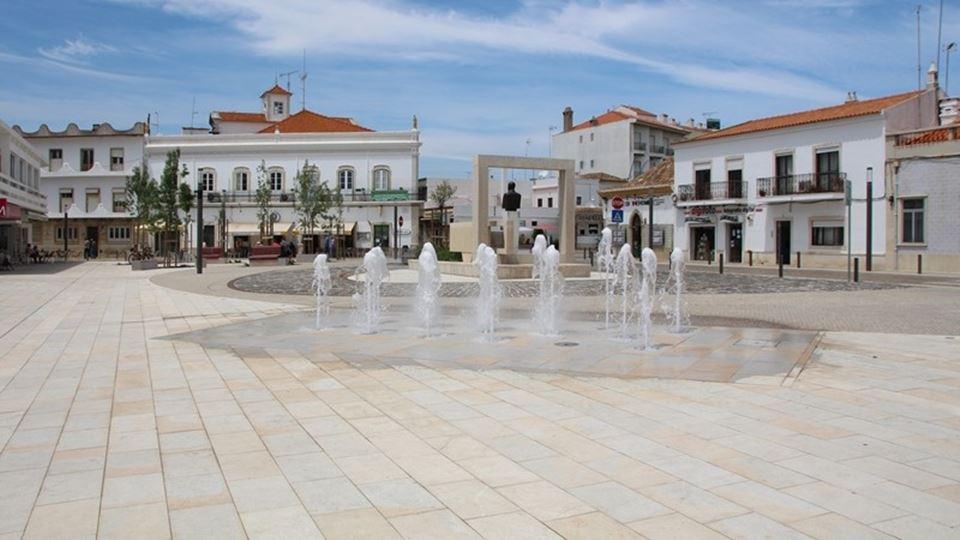 Nesta vila portuguesa, há vest...
