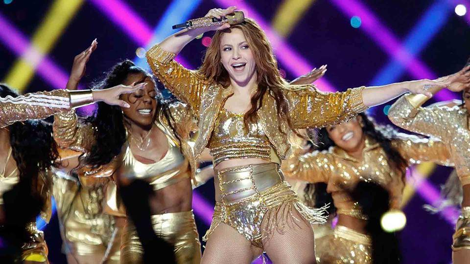 Shakira a dançar