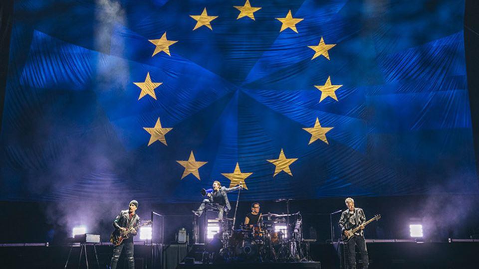 U2 - Um concerto com Bandeira ...