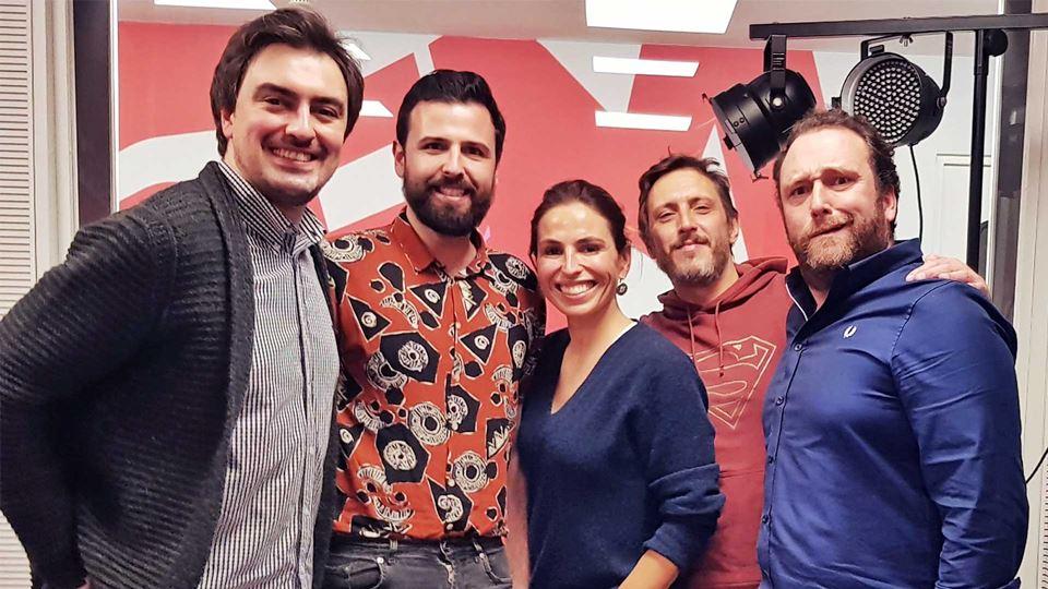 Eduardo Madeira e Filipe Homem Fonseca com a equipa do Wi-fi da RFM