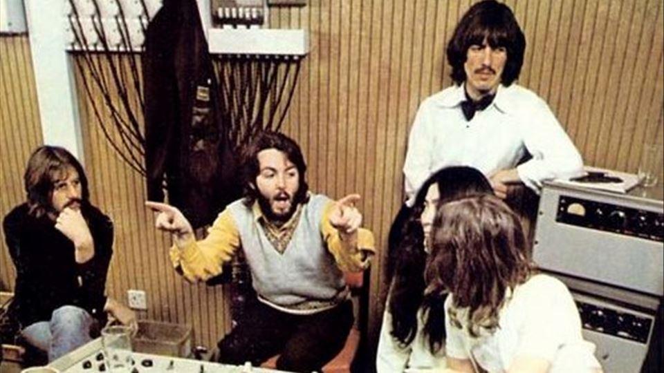 Yoko e Beatles estudio cor
